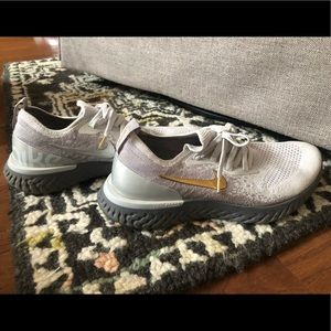 Nike Flyknit Silver and Gold Sneakers Wms 9